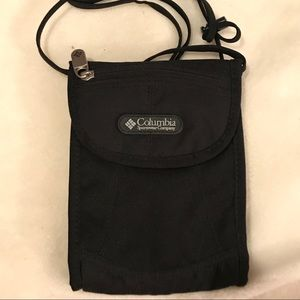 Columbia Ditty Bag! Like new black tons of POCKETS